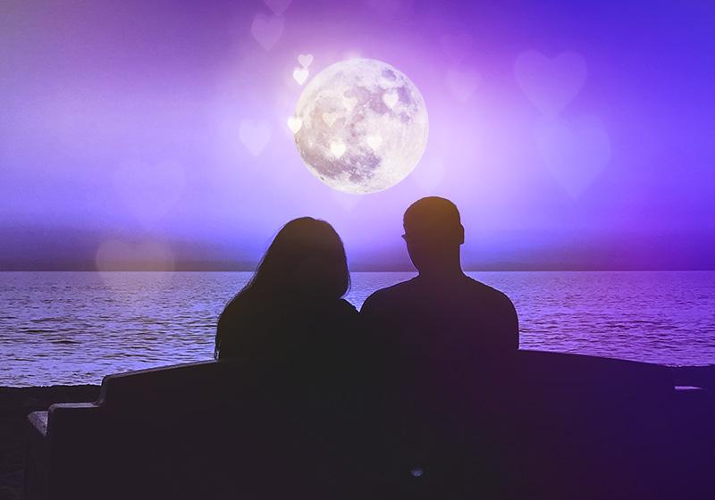 apr_800x560_norm_moon_love_V002.jpg